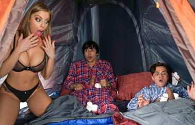 Britney Amber, Ricky Spanisch, Juan El Caballo Lok – Lil Campers (RealityKings)